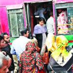 কুমিল্লায় বাসে বাসে নৈরাজ্য খানাখন্দক সড়কে দুর্ভোগে যাত্রীরা
