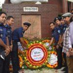 জাতীয় কবির ৪২-তম মৃত্যুবার্ষিকীতে কুমিল্লার 'চেতনায় নজরুল' স্মৃতিস্তম্ভে পুষ্পস্তবক অর্পণ