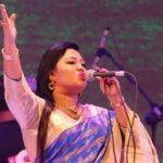 জনপ্রিয় গানে কুমিল্লায় মাতালেন মমতাজ