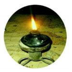 """আধুনিকতার ছোঁয়ায় দিনে দিনে হারিয়ে যাচ্ছে গ্রাম বাংলার ঐতিহ্য """"কুপিবাতি"""""""