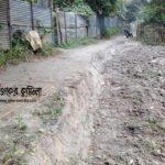 কুমিল্লায় শত বছরের সড়ক কাটল প্রভাবশালী