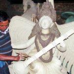 কুমিল্লায় স্বরস্বতী প্রতিমা তৈরীতে ব্যস্ত মৃৎশিল্পীরা
