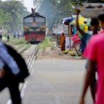 কুমিল্লায় কর্ণফুলি ট্রেনে কাটা পড়ে যুবকের মৃত্যু