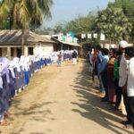 চৌদ্দগ্রামে স্কুল ছাত্রীর ধর্ষকদের বিচার দাবীতে নিজ বিদ্যালয়ের শিক্ষার্থীদের মানববন্ধন