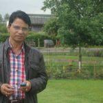 শিক্ষক আবদুর রহিম: যিনি আলোতে থাকেন, আলোতে রাখেন