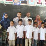 চান্দিনার বীরখালে দরিদ্র শিক্ষার্থীদের মধ্যে স্কুল ড্রেস বিতরণ