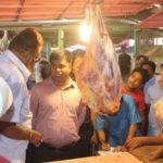 কুমিল্লা নগরীর বিভিন্ন বাজারে ভ্রাম্যমান আদালতের অভিযান