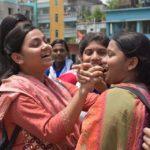 ফল প্রকাশের পর কুমিল্লা ফয়জুন্নেছা শিক্ষার্থীদের বাঁধ ভাঙ্গা উল্লাস