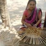 আধুনিকতার ছোঁয়ায় কুমিল্লায় হারিয়ে যাচ্ছে বাঁশ-বেতের তৈরি মৃৎ শিল্প