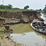 গোমতি নদীর কুমিল্লা শহর রক্ষা বাঁধ হুমকির মুখে