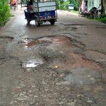 ব্রাহ্মণপাড়া-মিরপুর সড়কের বেহাল দশা,জনগণের দূর্ভোগ চরমে