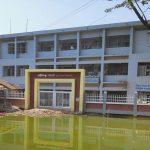 কুমিল্লার গোবিন্দপুর সরকারি প্রাথমিক বিদ্যালয়ের সামনে জলাবদ্ধতা