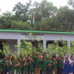 গজারিয়া একতা ক্লাবের উদ্যোগে ক্ষুদ্রে শিক্ষার্থীদের মাঝে চারাগাছ বিতরণ
