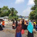 চৌদ্দগ্রামে বকেয়া বেতনের দাবিতে মহাসড়ক অবরোধ করল বিক্ষুদ্ধ শ্রমিকরা