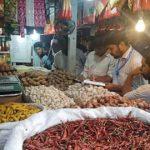 পেঁয়াজের বাজার নিয়ন্ত্রণে কুমিল্লার বিভিন্ন বাজারে অভিযান, জরিমানা আদায়