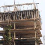 ময়নামতিতে নিরাপত্তা ব্যবস্থা ছাড়াই চলছে বহুতল ভবনের নির্মাণ কাজ