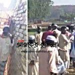 কুমিল্লায় সরু রাস্তার কারণে খাটিয়া নিতে পারল না স্বজনরা