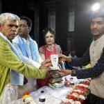 সম্মাননা স্মারক পেয়েছেন কুমিল্লার নবীন লেখক সাইদুল হাসান