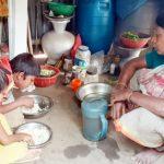 কুমিল্লার ৭০ বছরের বুড়ির ঘাড়ে ছেলে, নাতি-নাতনির ভার