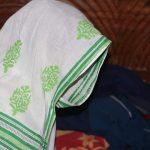 কুমিল্লার প্রেমিকের বাড়িতে বিয়ের দাবিতে প্রেমিকার অনশন