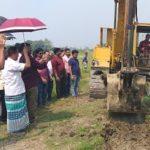 দাউদকান্দিতে কৃষি জমির জলাবদ্ধতা নিরসনে খাল কাটা শুরু করেছে উপজেলা প্রশাসন