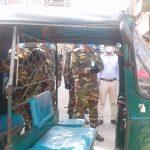 কুমিল্লা নগরীতে জীবাণুনাশক দিয়ে যানবাহন পরিষ্কার করার কর্মসূচী পালন করলো সেনাবাহিনী