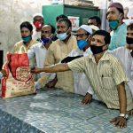 চাঁদপুরে ছাত্রলীগ নেতার উদ্যোগে অসহায়দের মাঝে ত্রাণ সামগ্রী বিতরণ