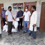 দাউদকান্দির হকারদের খাদ্য সহায়তা দিলো উপজেলা প্রশাসন