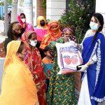 কুমিল্লায় নারী উদ্যোক্তা রোজীর নিজস্ব উদ্যোগে হতদরিদ্রদের মাঝে ইফতার সামগ্রী বিতরণ