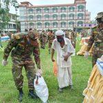 কুমিল্লা সেনাবাহিনীর এক মিনিটের ঈদ বাজার: সহায়তা পেলেন দেড় হাজার পরিবার