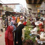 কুমিল্লা নগরীতে মানা হচ্ছে না লকডাউন, নেই সামাজিক দূরত্ব