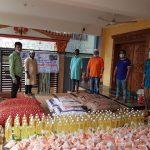 কুমিল্লায় অসহায় মানুষের দ্বারে দ্বারে ত্রাণ বিতরণ অব্যাহত ছাত্রলীগ নেতা মুকিতের