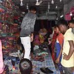 করোনার হটজোন দেবিদ্বারের রসুলপুর বাজারে ঈদের কেনাকাটার ব্যস্ততা