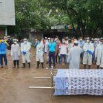 কুমিল্লা শহরে করোনায় মারা যাওয়া ডা: শরীফের দাফন করলো বিবেক
