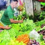 প্রতিদিন ১৫ কোটি টাকার কেনা-বেচা; কুমিল্লার নিমসার কাঁচাবাজারে