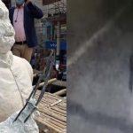বঙ্গবন্ধুর ভাস্কর্য ভাঙচুর করে টুপি, দাড়িওয়ালা,পাজামা-পাঞ্জাবি পরিহিত দুই যুবক
