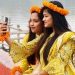কুমিল্লায় ভালবাসা দিবস ও ফাগুনের আমেজ তরুণ-তরুণীদের মাঝে