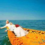 চাঁদপুরে নদীর মোহনায় বর-কনের ব্যতিক্রমী ফটোসেশন ফেসবুকে ভাইরাল