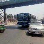 কুমিল্লায় লকডাউনকে বৃদ্ধাঙ্গুলি দেখিয়ে যানবাহন চলছে