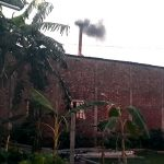কুমিল্লায় কয়েল ফ্যাক্টরিতে অবাধে পুড়ছে কয়লা; স্বাস্থ্যঝুঁকিতে এলাকাবাসী