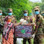 কুমিল্লায় সেনাবাহিনীর উদ্যোগে অসহায়দের মাঝে খাদ্য সামগ্রী বিতরণ