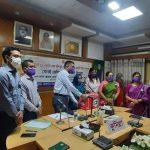 বঙ্গমাতার জন্মদিনে কুমিল্লায় সেলাই মেশিন ও নগদ অর্থ বিতরণ